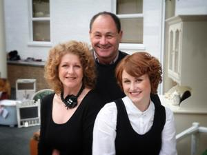 Daisy-with-her-parents-300x225